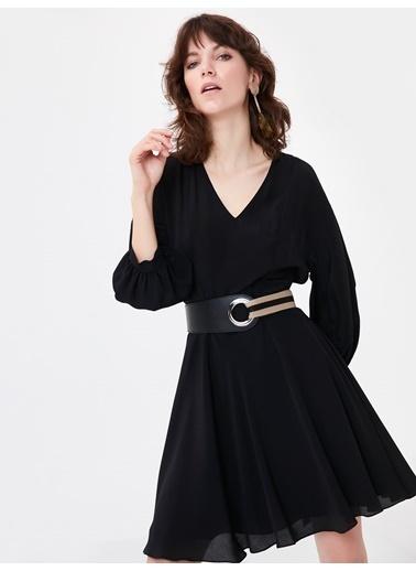 Ipekyol Bel Detaylı V Yaka Elbise Siyah